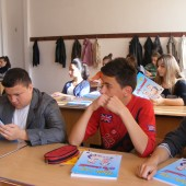 Photo of Bible Society in Romania project working with youths
